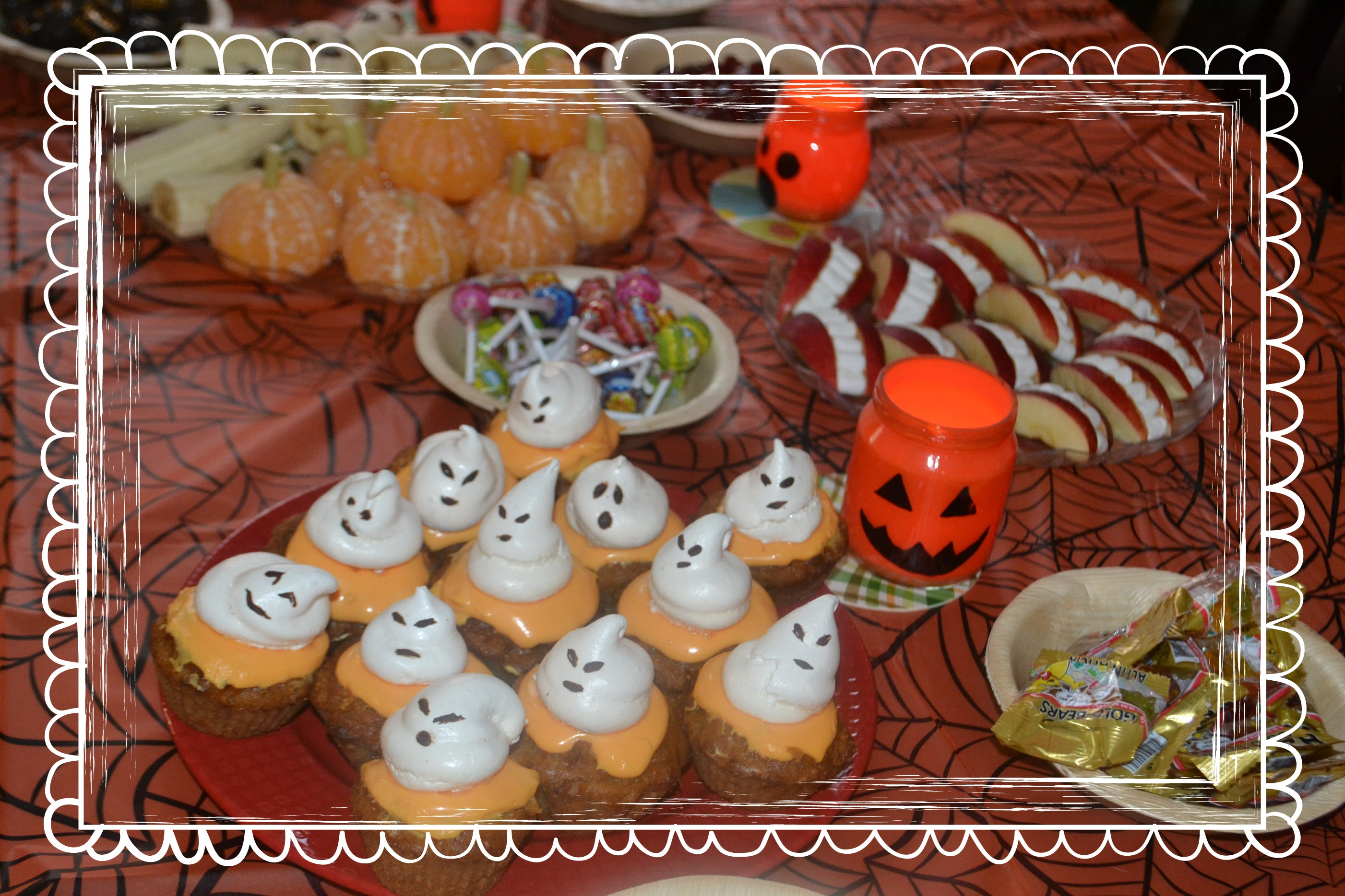cupcakes fant mes meringu s pour halloween histoire de meringues pour d butants mademoiselle. Black Bedroom Furniture Sets. Home Design Ideas